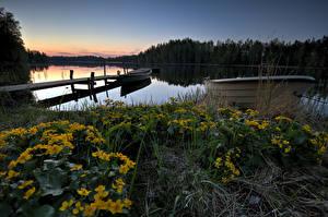 Обои Финляндия Озеро Вечер Причалы Лодки lake Lummenne Природа картинки