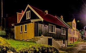 Обои Дания Дома Улица Ночь Klaksvik Faroe Islands Города картинки
