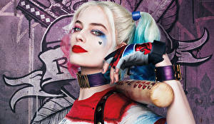 Обои Отряд самоубийц 2016 Харли Квинн герой Герои комиксов Блондинка Margot Robbie Фильмы Девушки Фэнтези картинки