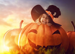 Обои Хеллоуин Тыква Дизайн Шляпа Девочки Улыбка Дети картинки