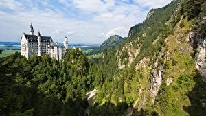 Фотография Нойшванштайн Германия Замки Горы Леса Скалы Бавария Природа