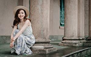 Обои Азиатки Сидящие Шляпы Шатенки
