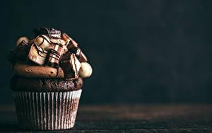 Картинки Сладости Пирожное Шоколад Капкейк кекс Пища