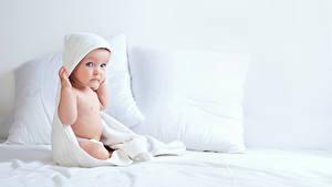 Фотография Грудной ребёнок Взгляд Подушки Дети