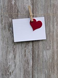 Картинки День всех влюблённых Доски Прищепки Лист бумаги Сердечко