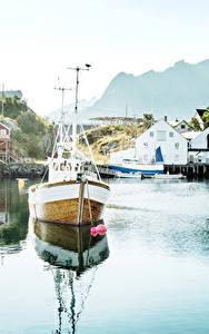 Обои Норвегия Лофотенские острова Дома Пирсы Реки Катера Reine Города