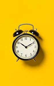 Фотография Будильник Часы Цветной фон