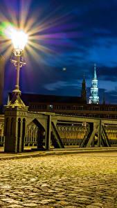 Картинка Германия Здания Мост Уличные фонари Ночь Тротуар Zwickau Города