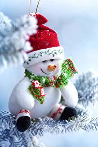 Обои Новый год Снег Снеговики Шапки Шарф