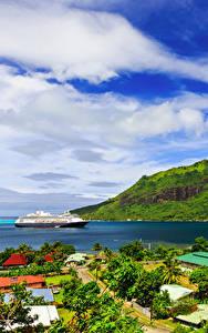 Фотография Французская Полинезия Тропики Горы Побережье Круизный лайнер Облака Moorea Природа