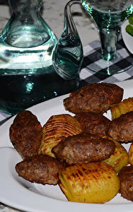 Картинка Вторые блюда Мясные продукты Картошка Тарелка