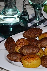 Картинка Вторые блюда Мясные продукты Картошка Тарелке