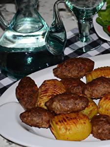 Картинка Вторые блюда Мясные продукты Картошка Тарелка Еда