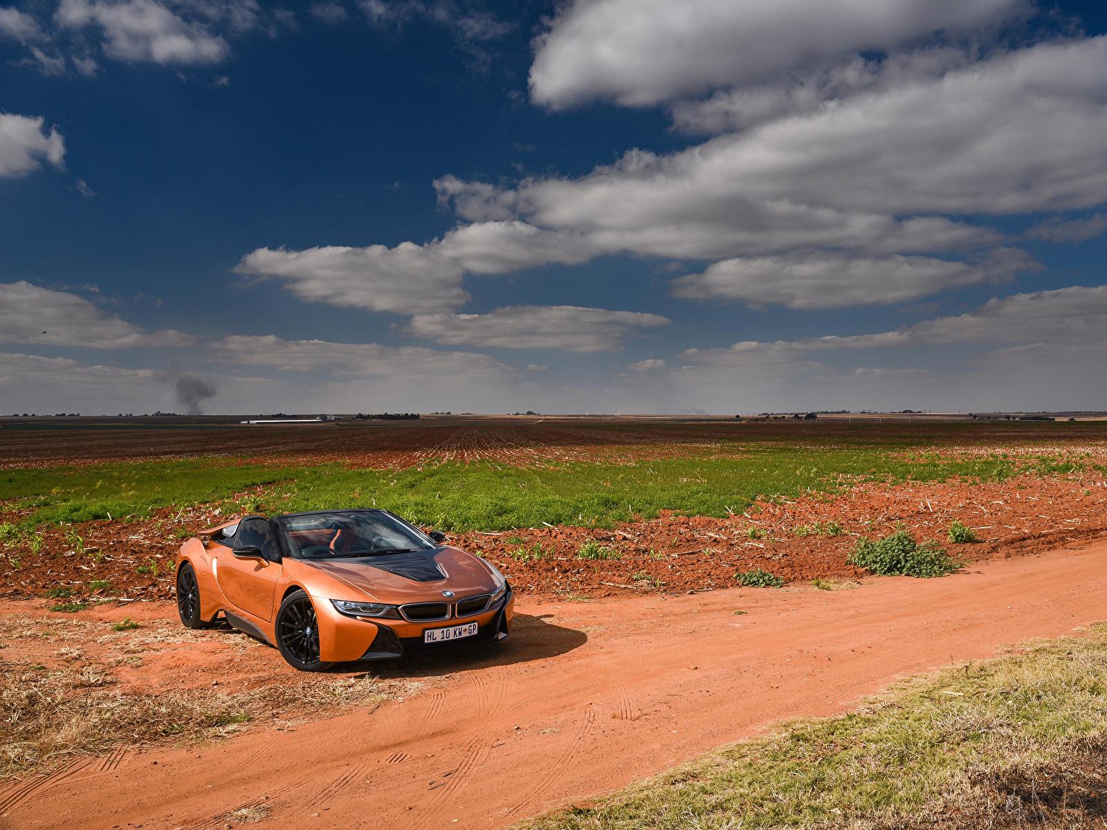 Обои для рабочего стола BMW 2018 i8 Родстер кабриолета Оранжевый автомобиль 1600x1200 БМВ Кабриолет оранжевых оранжевые оранжевая авто машина машины Автомобили