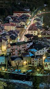 Картинка Франция Здания Дороги Ночь Saint Sauveur sur Tinee Города