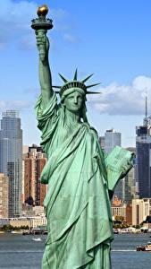 Картинка США Здания Статуя свободы Нью-Йорк Города