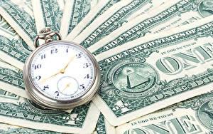Фото Часы Деньги Банкноты Доллары Карманные часы