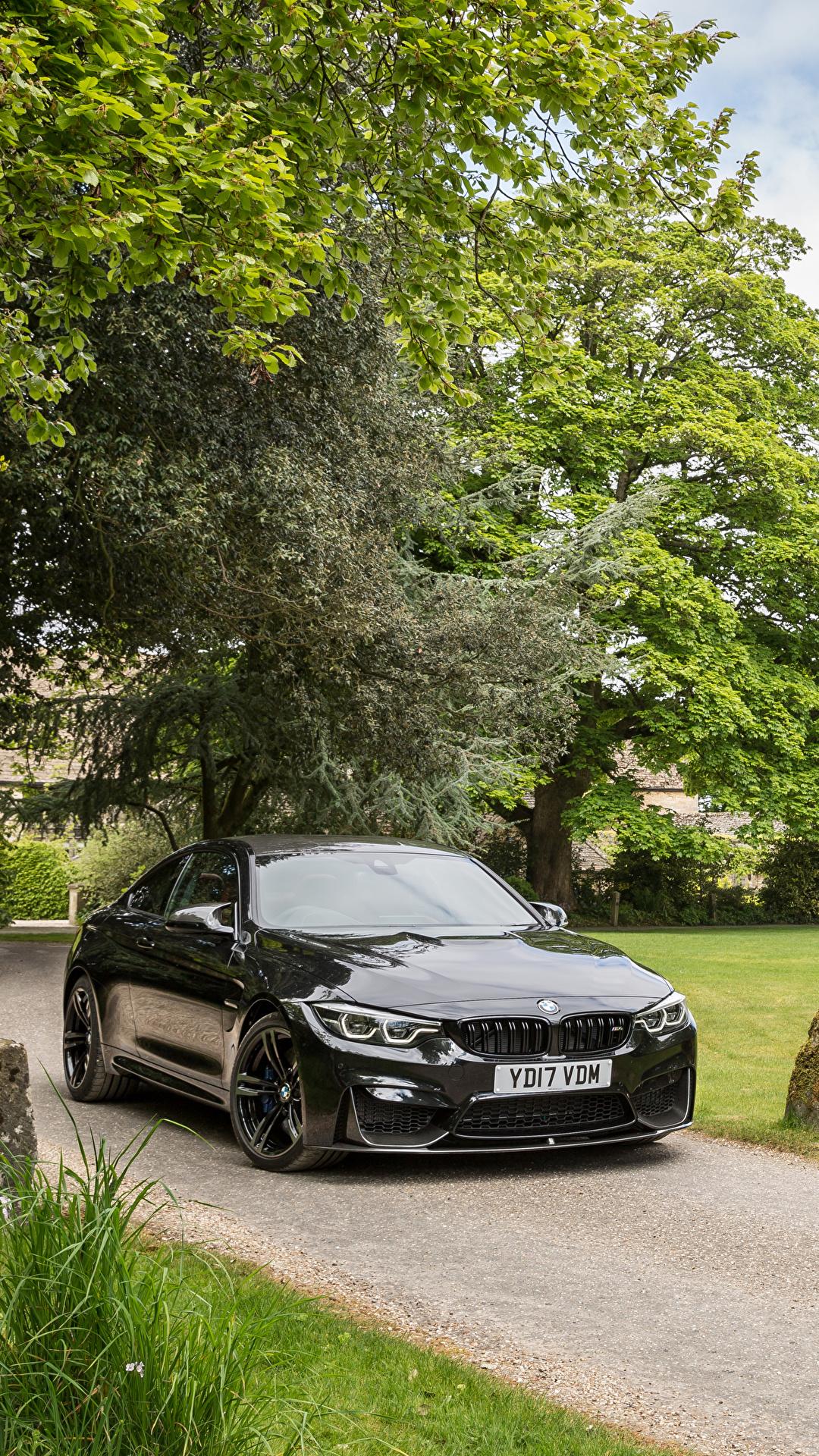 Картинка BMW 2017 M4 Coupe черные Металлик Автомобили 1080x1920 для мобильного телефона БМВ черных Черный черная авто машина машины автомобиль