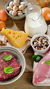 Фото Мясные продукты Сыры Молоко Овощи Доски Яйца