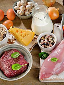 Фото Мясные продукты Сыры Молоко Овощи Доски Яйца Еда