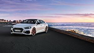 Картинка Ауди Белые Металлик 2019-20 RS 5 Sportback Worldwide Автомобили