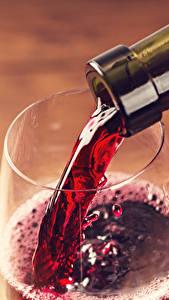 Фото Вино Крупным планом Бокалы Бутылка Красная Пища