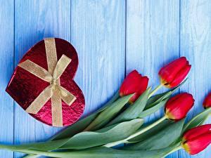 Картинки Тюльпаны День святого Валентина Сердце Бантики Доски Цветы
