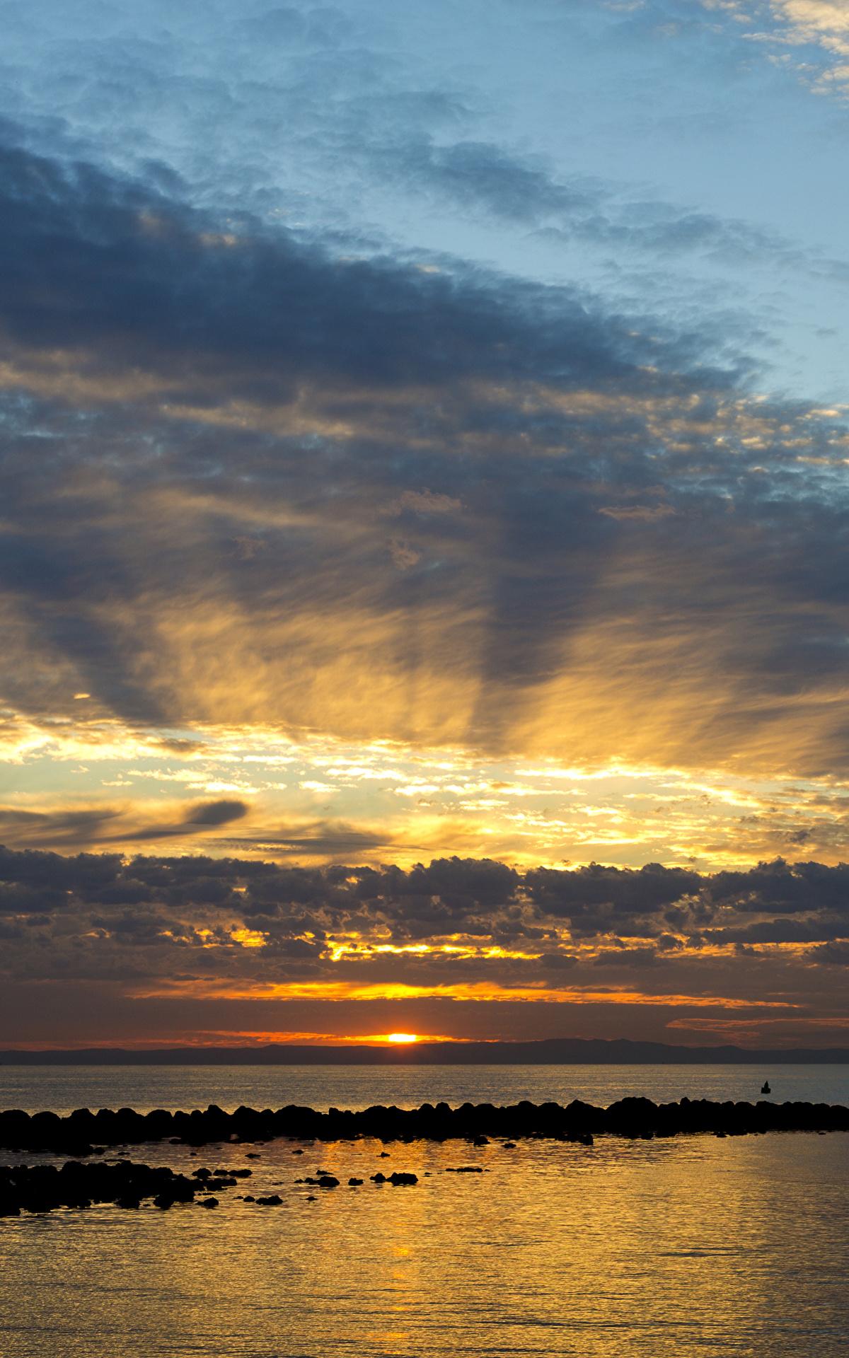 Фото Австралия Queensland Море Природа Небо Рассветы и закаты Облака 1200x1920