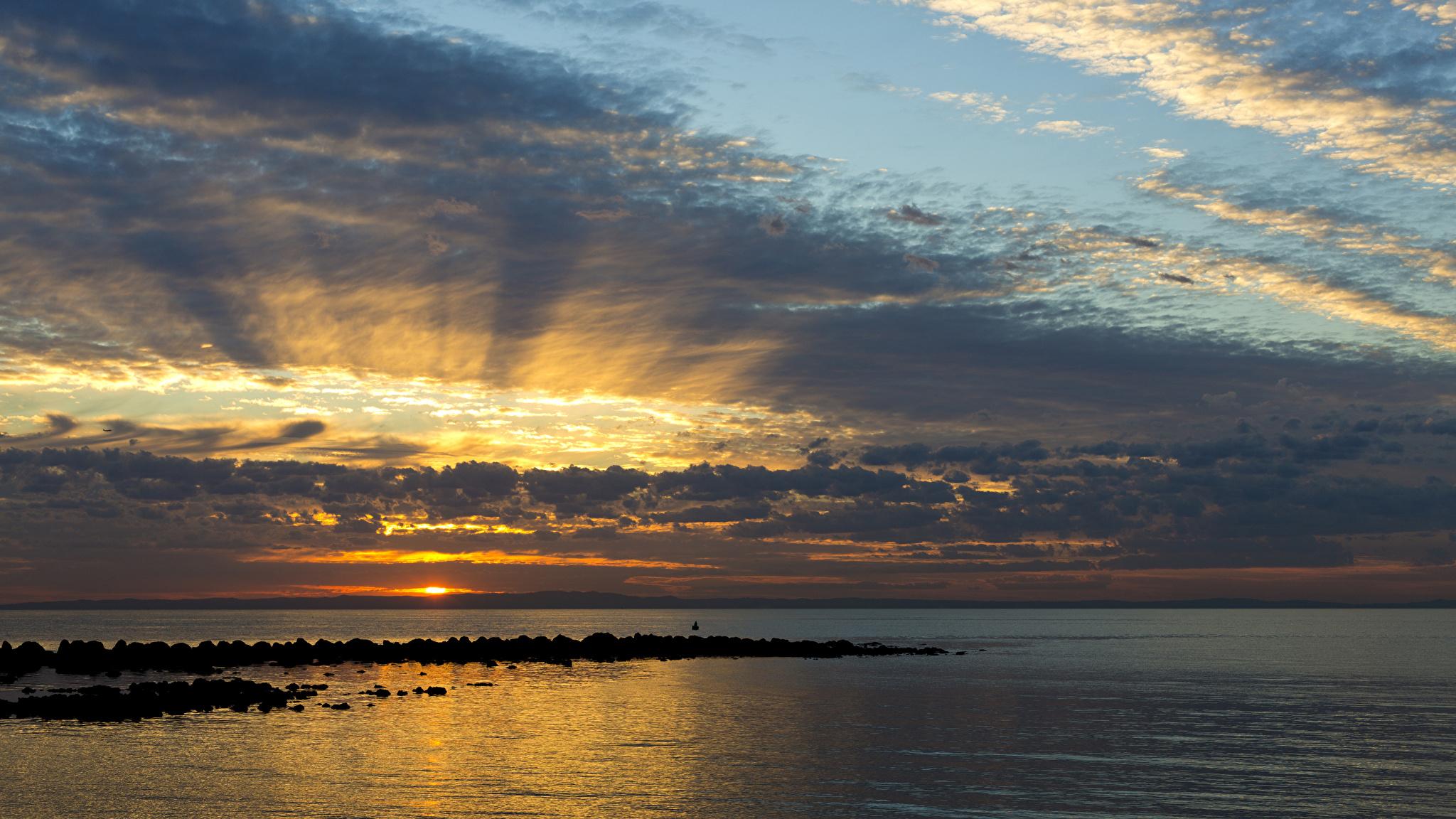 Фото Австралия Queensland Море Природа Небо Рассветы и закаты Облака 2048x1152