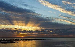 Фото Австралия Море Рассвет и закат Небо Облачно Queensland Природа
