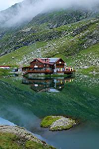 Фотография Румыния Горы Озеро Дома Мох Lake Balea Природа