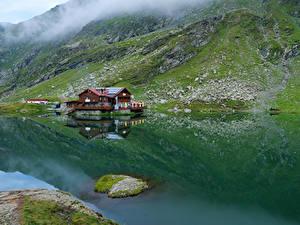 Фотография Румыния Горы Озеро Дома Мох Lake Balea