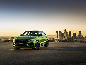 Картинки Вечер Ауди Зеленая Металлик CUV 2020, RS Q8 авто