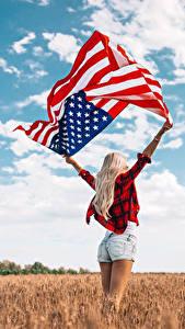 Фотография Поля США Флага Руки Блондинка Шорты молодые женщины