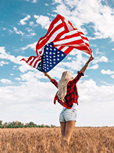 Фотография Поля США Флага Руки Блондинка Шорты
