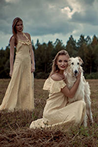 Обои Собаки Борзых 2 Блондинка Платья молодые женщины