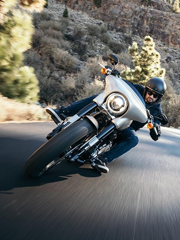 Фотографии Harley-Davidson Electra Glide Milwaukee Eight 107 Мотоциклы Дороги Движение Мотоциклист Спереди 600x800 для мобильного телефона Xарлей дэвидсон мотоцикл едет едущий едущая скорость