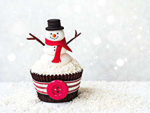 Фотография Сладости Пирожное Капкейк кекс Снеговики Дизайна Шляпа Шарф Продукты питания
