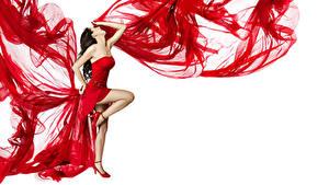Фотографии Белый фон Шатенки Платье Ноги Танцы