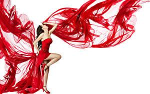 Фотографии Белый фон Шатенка Платье Ноги Танцует
