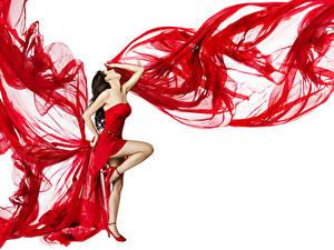 Фотографии Белым фоном Шатенки Платье Ноги Танцы молодые женщины
