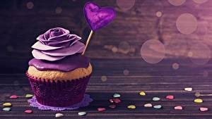 Фото Капкейк кекс Розы День всех влюблённых Фиолетовый Сердечко Еда
