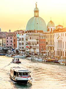 Фотографии Италия Здания Причалы Лодки Речные суда Венеция Водный канал Города