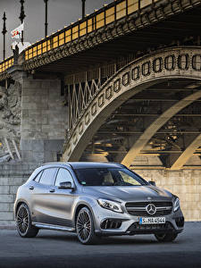 Фото Мерседес бенц Серебристый 2017 AMG GLA 45 4MATIC