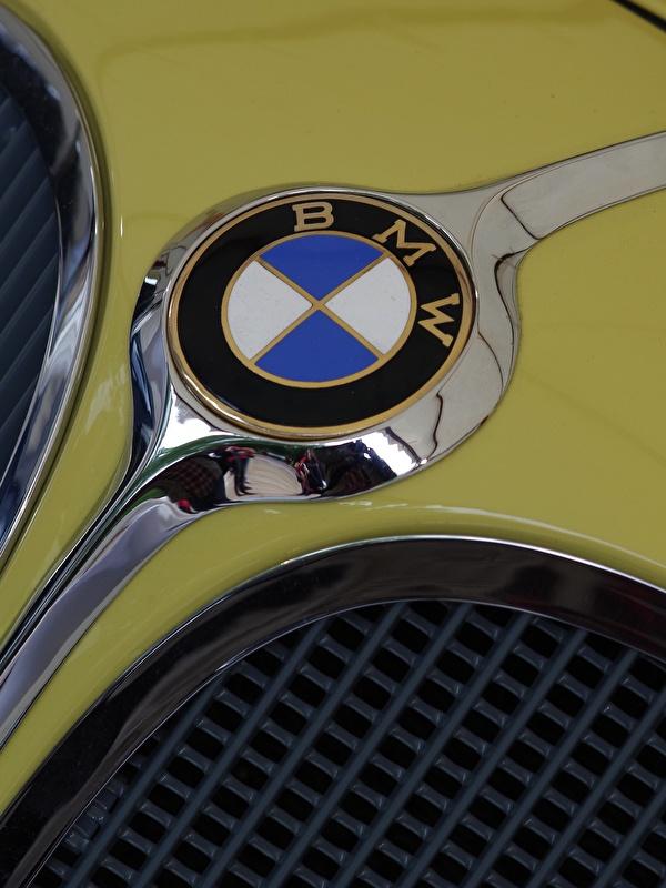 Фото БМВ Логотип эмблема Автомобили Крупным планом 600x800 для мобильного телефона BMW авто машины машина автомобиль вблизи
