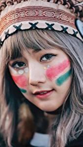 Обои Индейский головной убор Лицо Индейцы Милые Девушки