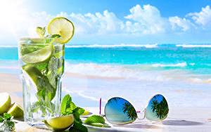 Обои Напитки Лимоны Мохито Стакане Очки Листва Продукты питания