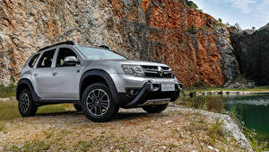 Картинка Renault Серебряный CUV 2019 Duster GoPro