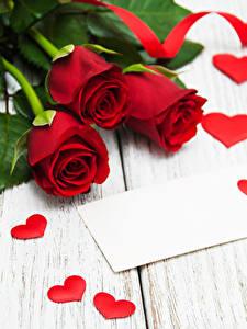 Фотографии Розы Доски Красные Сердце Ленточка Цветы