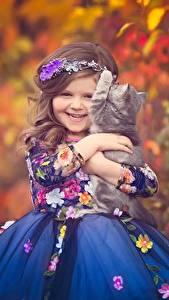 Фотография Кошка Девочки Платье Улыбка ребёнок